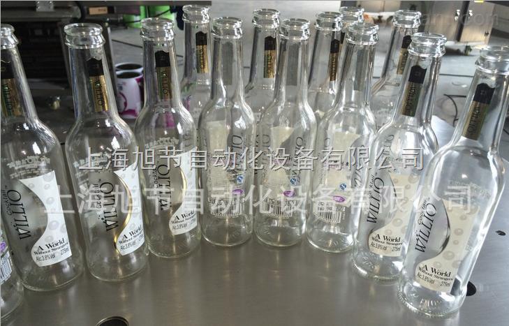 北方鸡尾酒不干胶透明贴标机